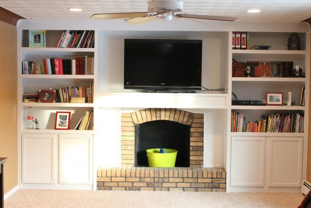Built In Bookshelf With Tv