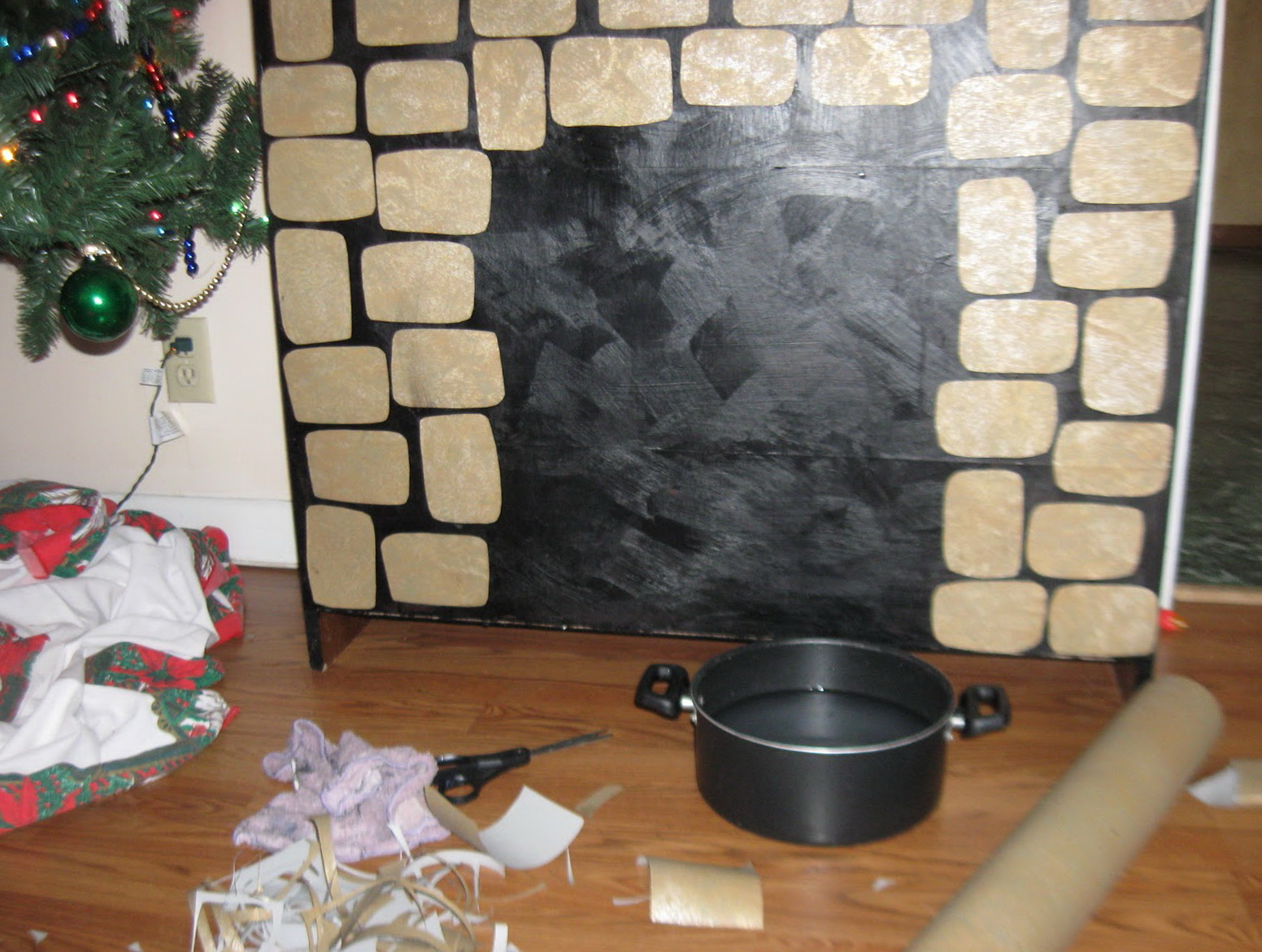 Construction Paper Fireplace Wall Decoration | Home Design Ideas
