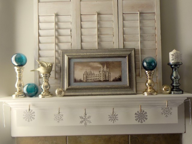 Winter Fireplace Mantel Decorations