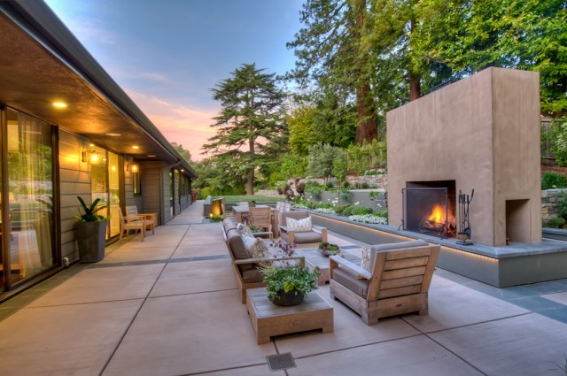 Mid Century Modern Outdoor Fireplace