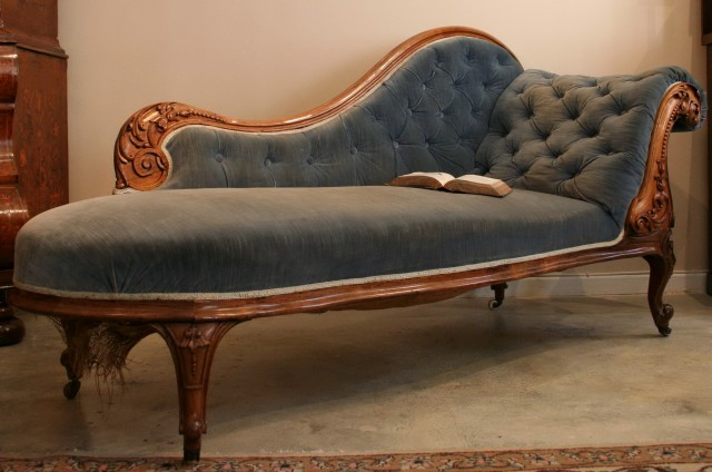 Chaise Lounge Indoor Vintage