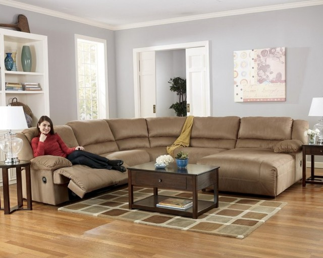 Reclining Sectional Sofa With Chaise