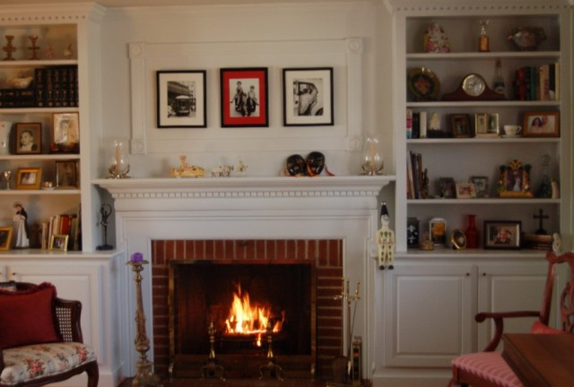 Decorating Built In Shelves Around Fireplace