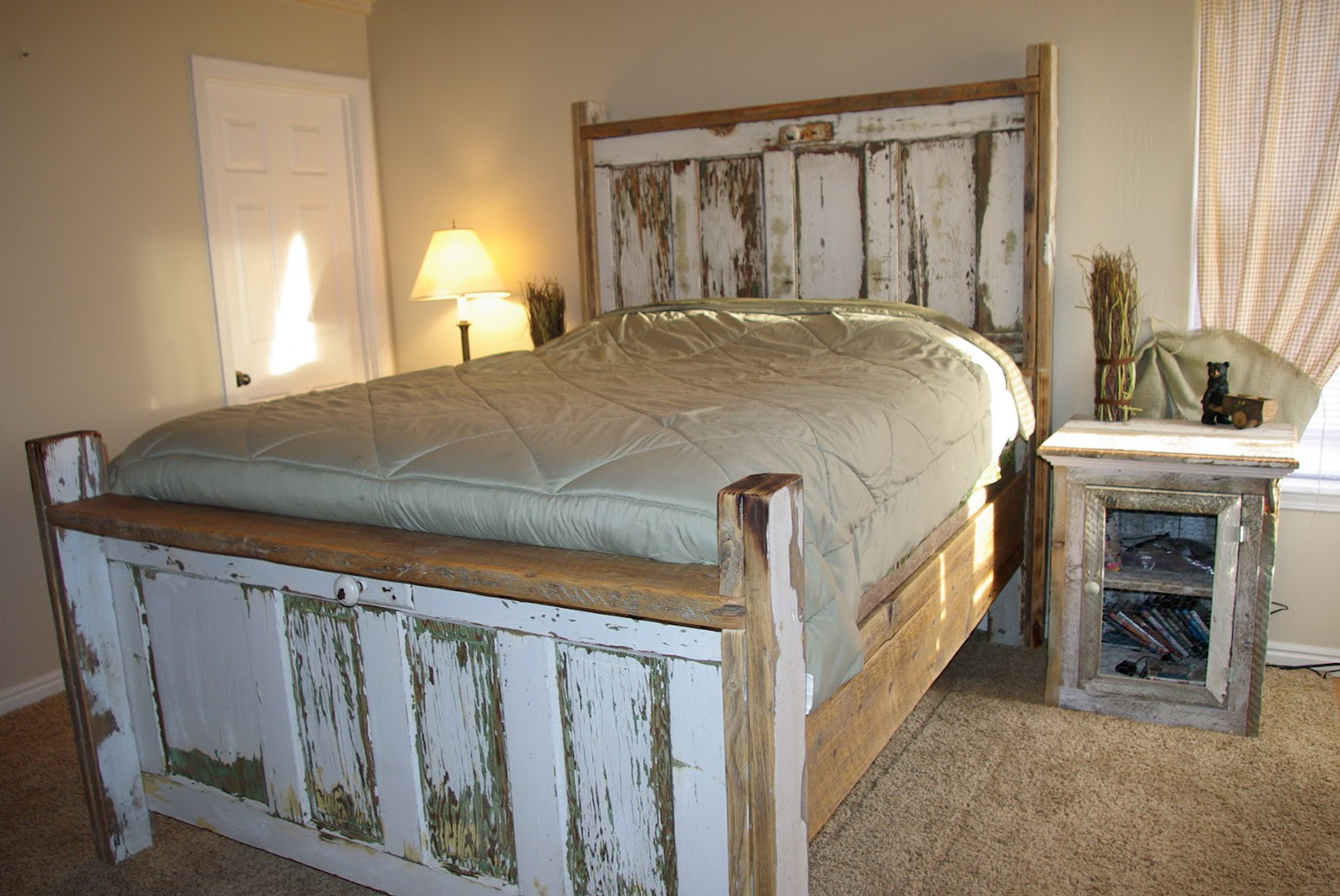 Genial Making A Headboard Out Of An Old Door