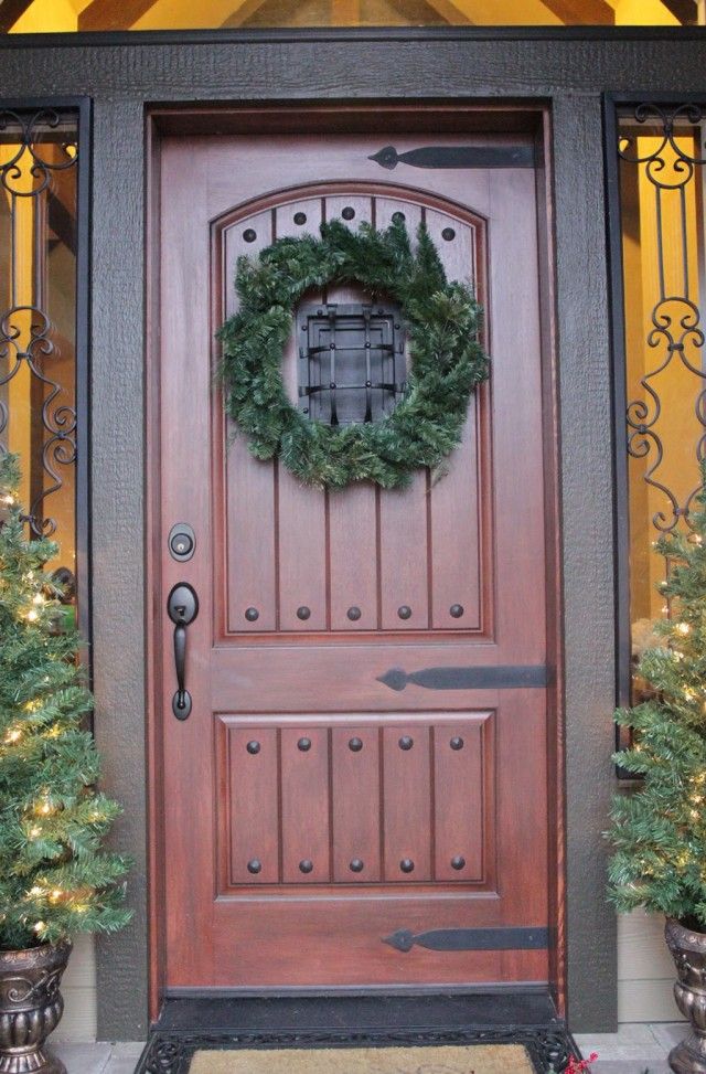 Rustic Front Porch Christmas Decorations