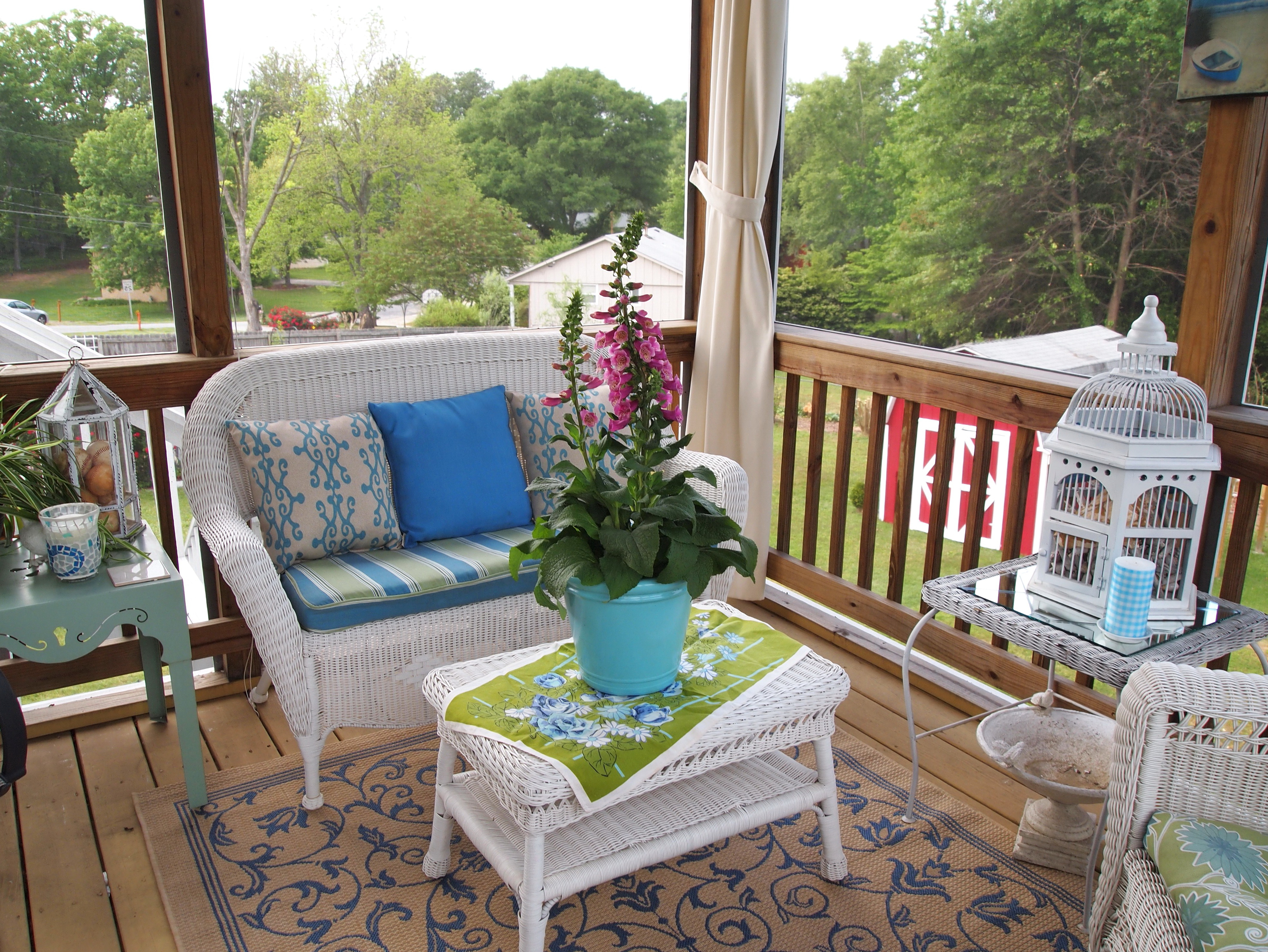 http://www.accessnw.org/wp-content/uploads/2015/11/screen-porch-decorating-ideas.jpg