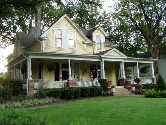 Wrap Around Porch Colonial