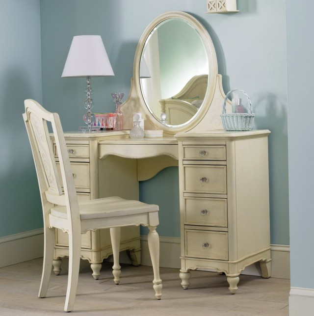 Best Bedroom Vanity With Drawers Pictures - Decorating Design ...