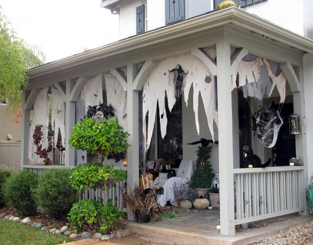 Decorating Front Porch For Halloween Fall