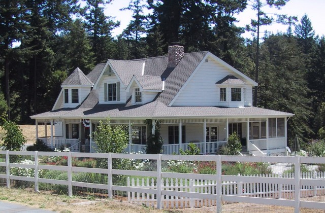 Houses With Porches All The Way Around