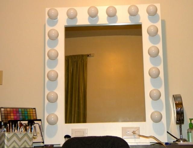 Lighted Vanity Mirror Hollywood