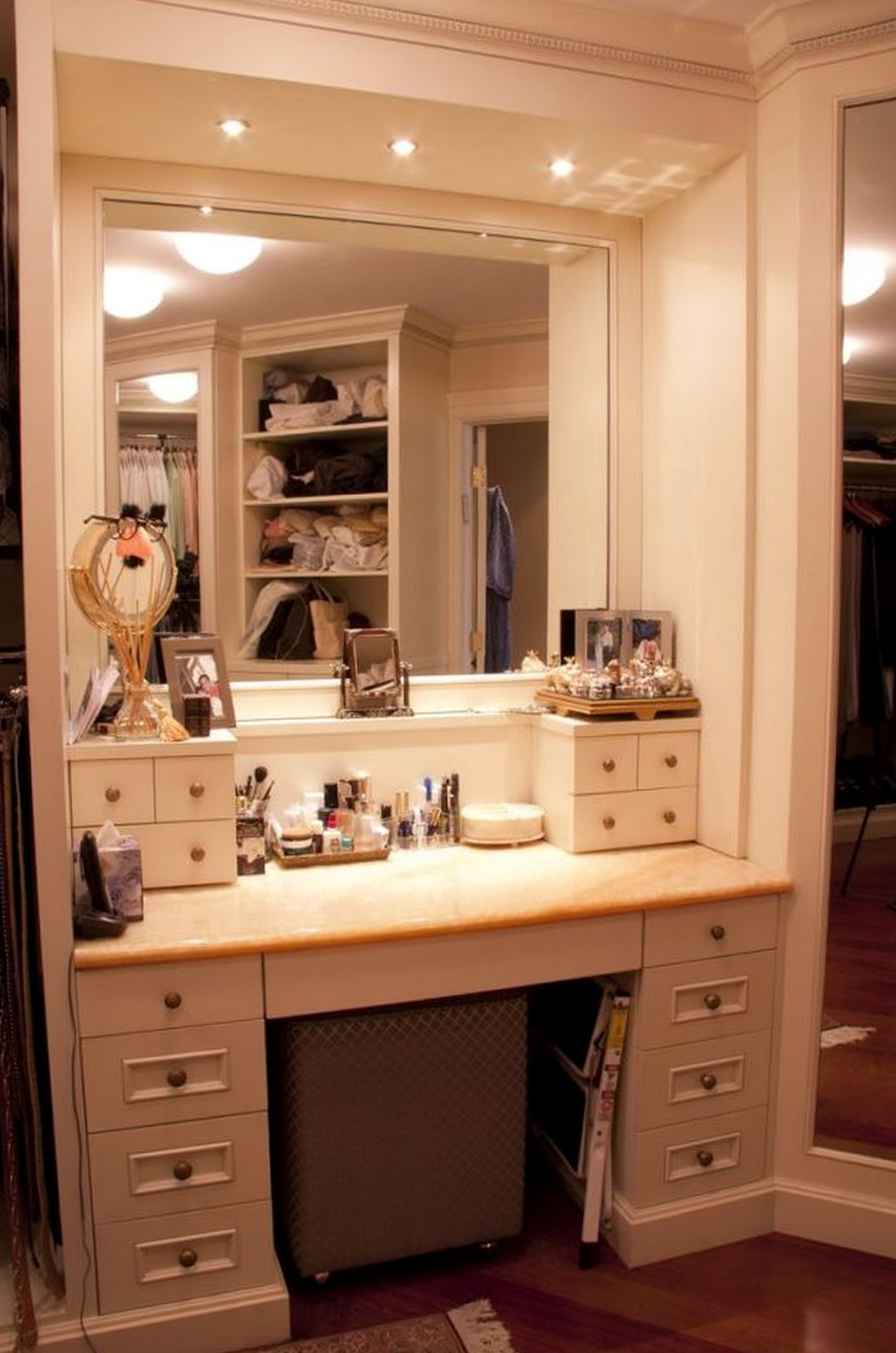 makeupbyshilpa of with over vanity scheme mirror lights makeup ideas