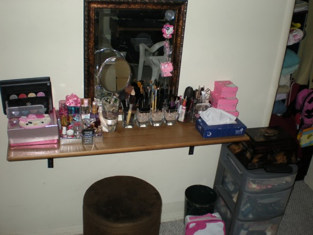 Makeup Vanity Table Diy