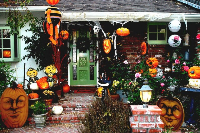 Scary Halloween Porch Ideas