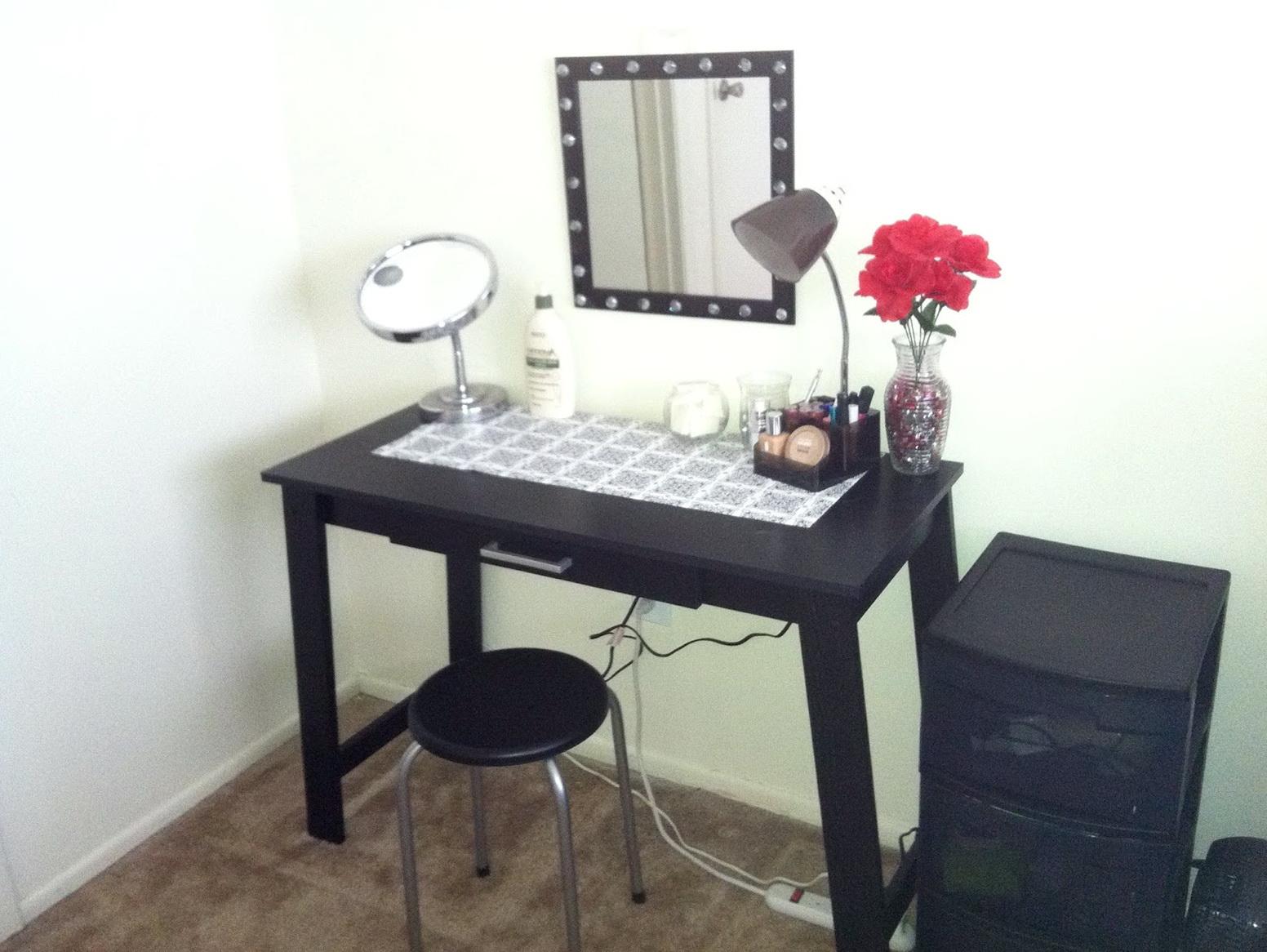 Walmart makeup table