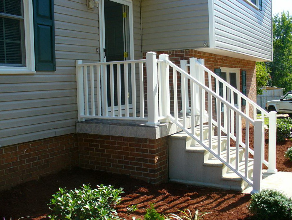 Small front porch railing ideas home design ideas for Small outdoor porch ideas