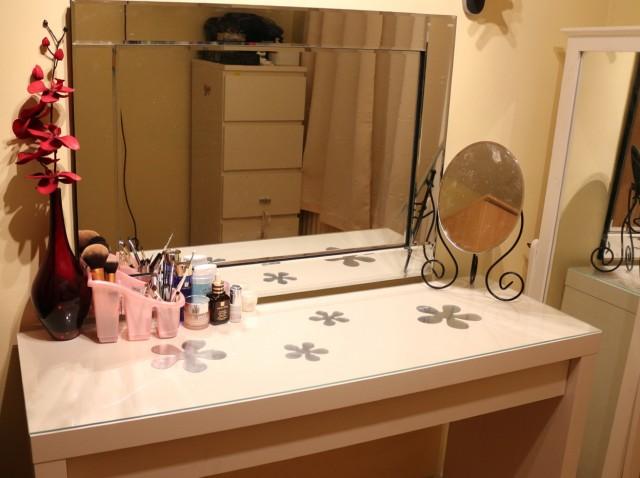 Small Vanity Table Ikea