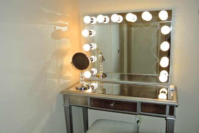 Vanity Makeup Table With Lighted Mirror