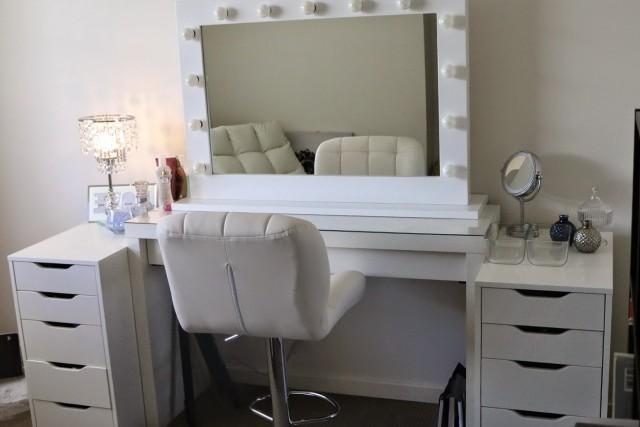 Vanity With Lights Ikea