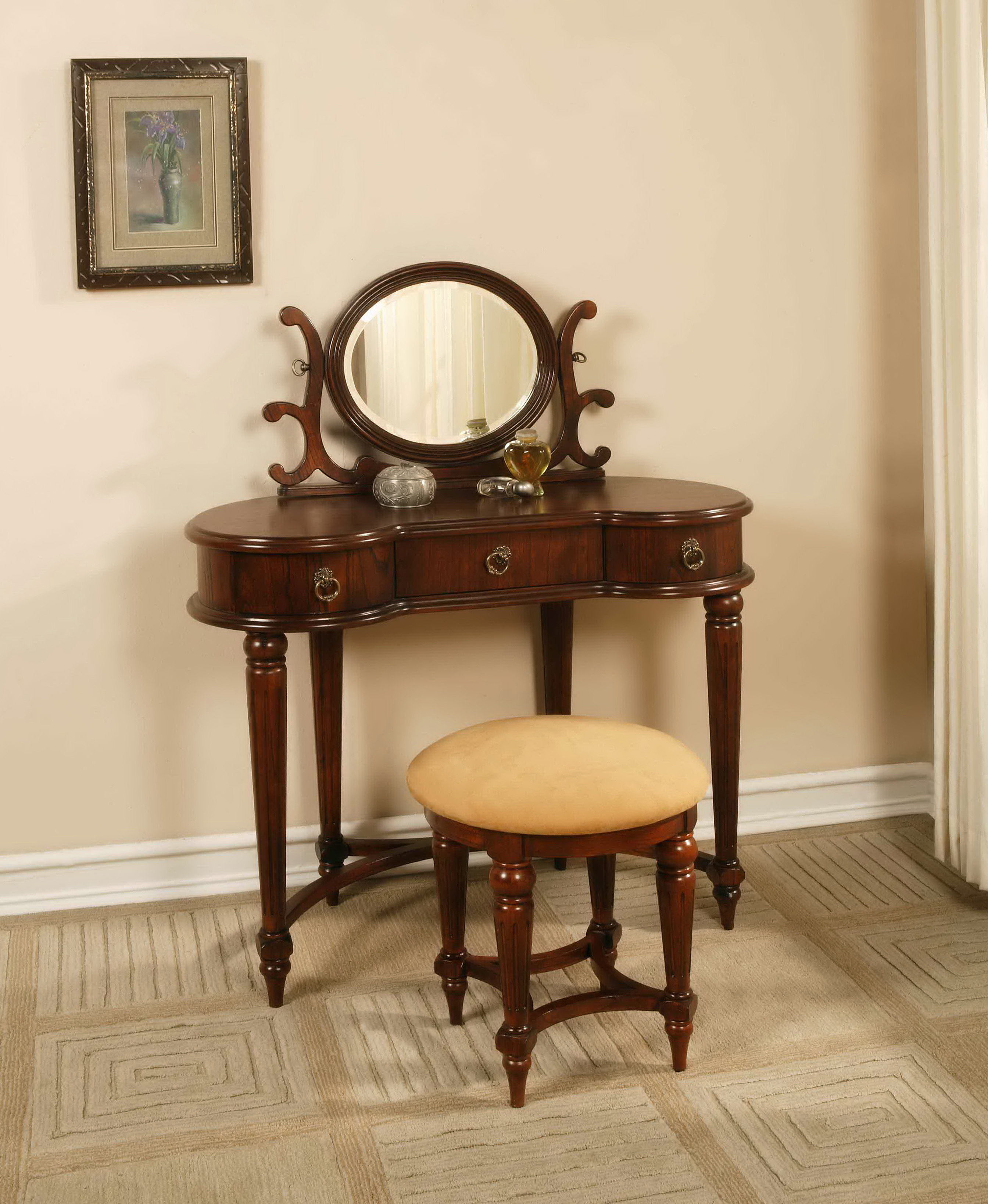 Antique vanity table with mirror home design ideas for Vanity with bench and mirror