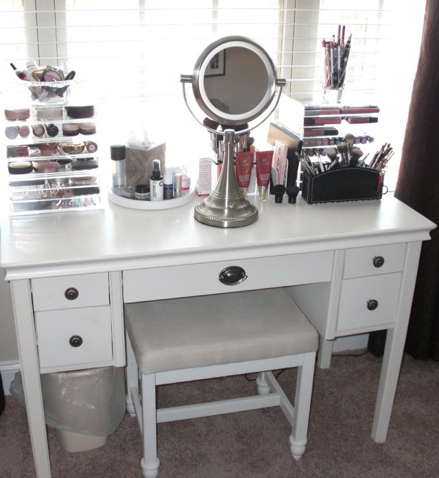 Bedroom Makeup Vanity Ideas