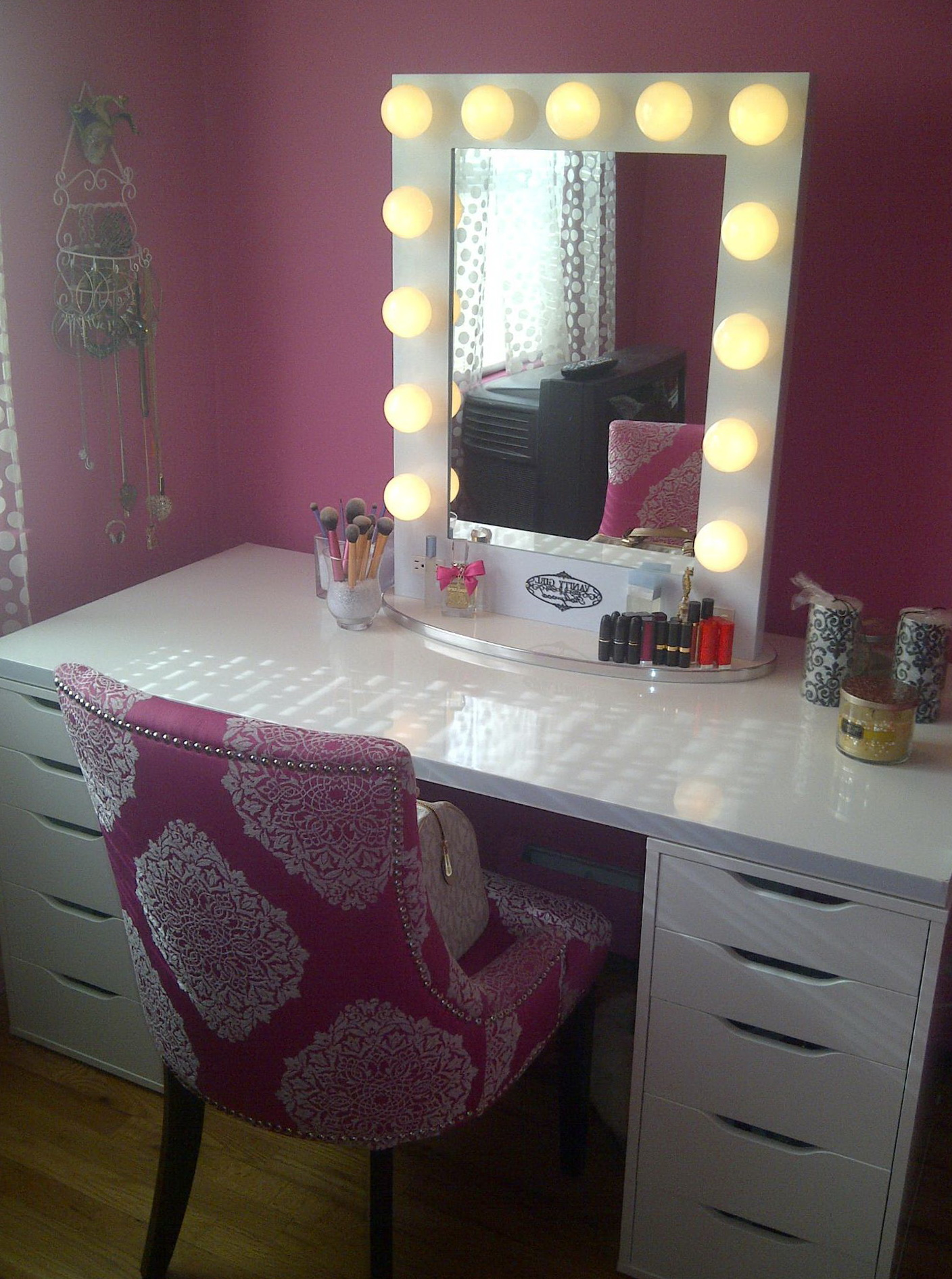 Broadway Lighted Tabletop Vanity Mirror Home Design Ideas