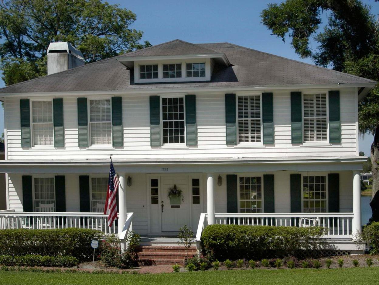 Colonial Front Porch Design