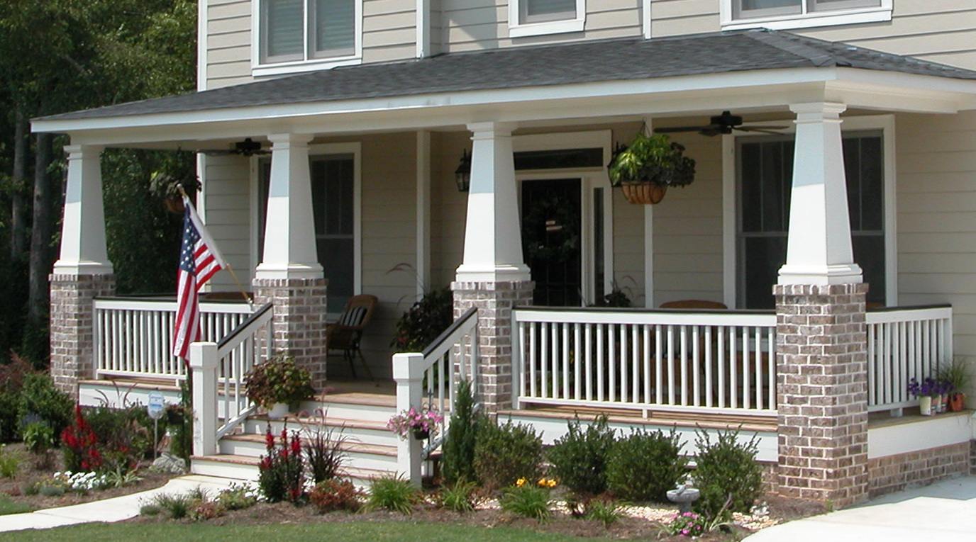 Craftsman tapered porch columns home design ideas for Tapered craftsman porch columns