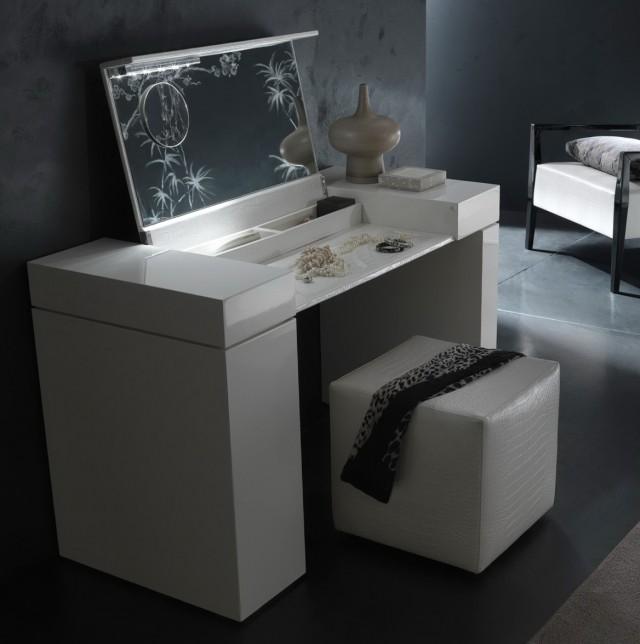 Lighted Vanity Table Set