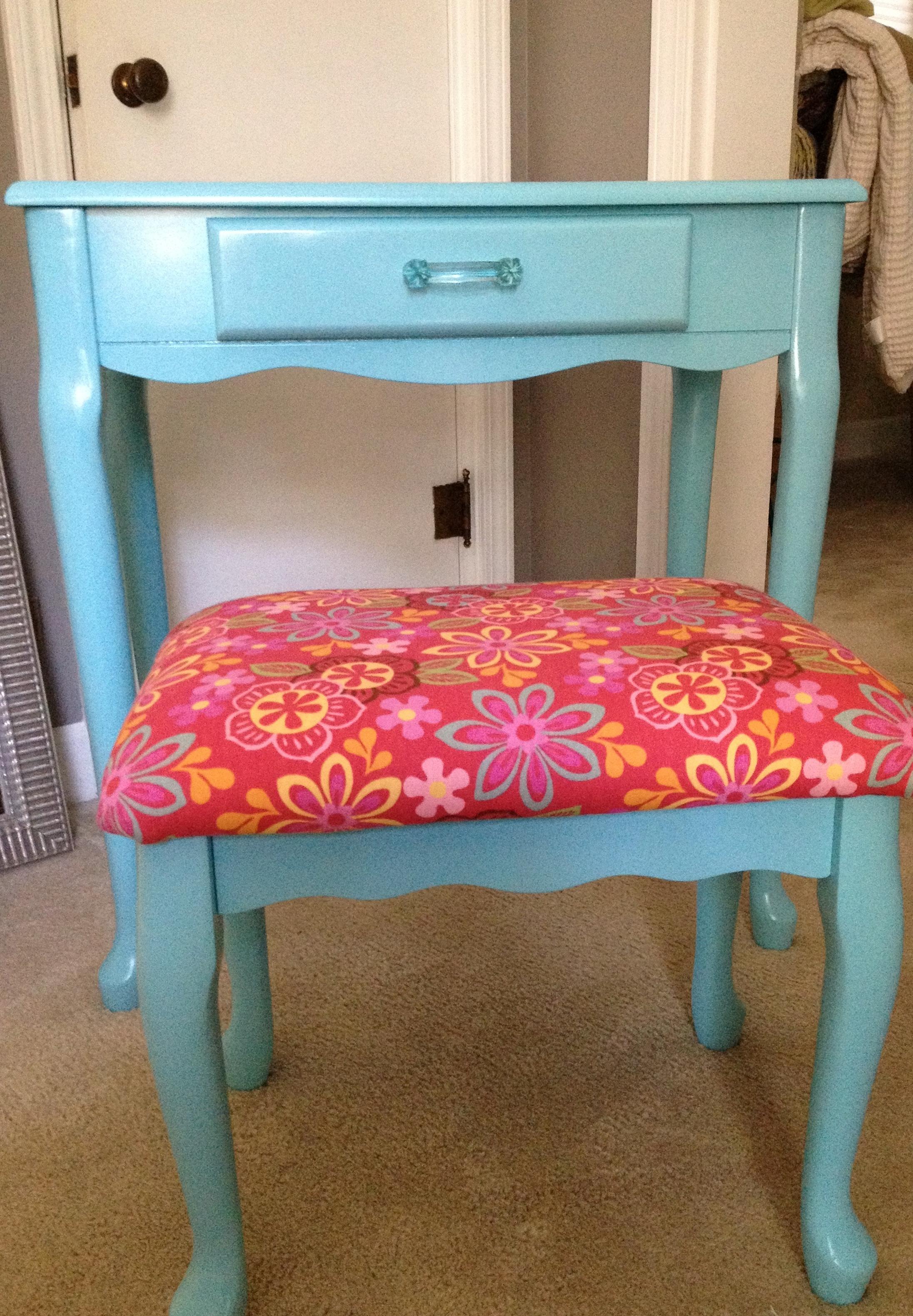 Little Girl Vanity Furniture