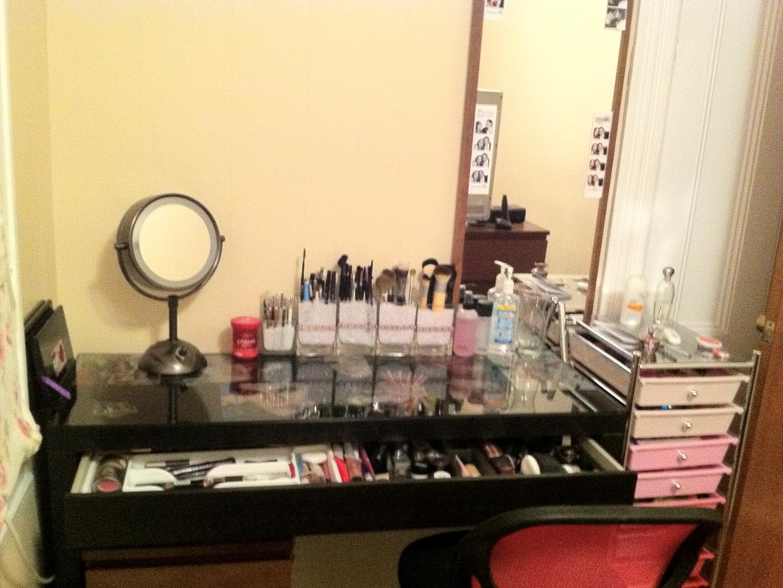 makeup vanity desk ideas - Vanity Desk Ideas