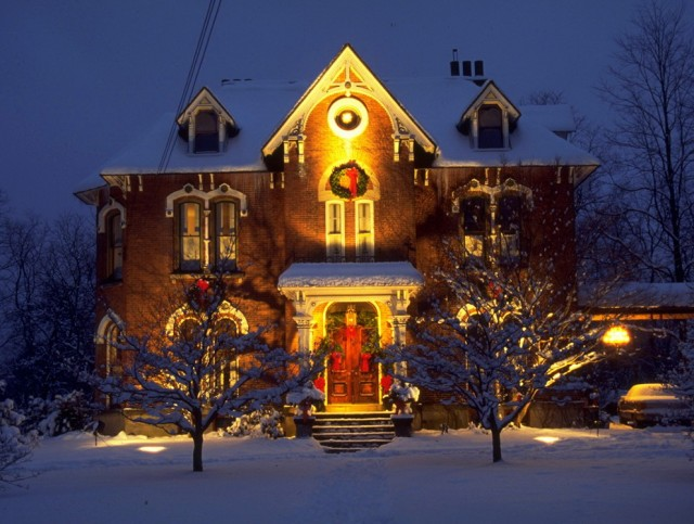 Outdoor Christmas Porch Ideas
