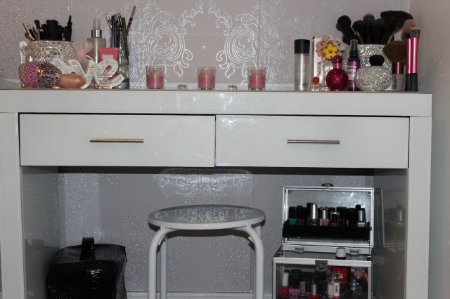 Vanity Table Set Up