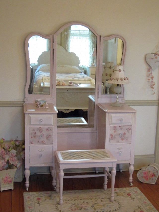 Antique Tri Fold Mirror Vanity