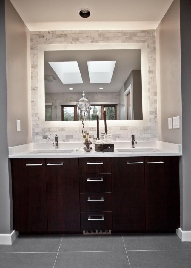 and bathroom white contemporary il custom chicago sinks vanities cabinets fashionable cheap vanity