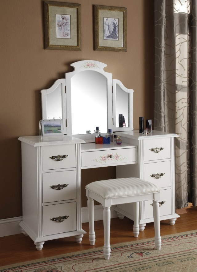 Bedroom Vanity Mirror Sets