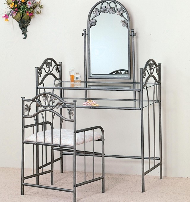 Bedroom Vanity Table With Mirror