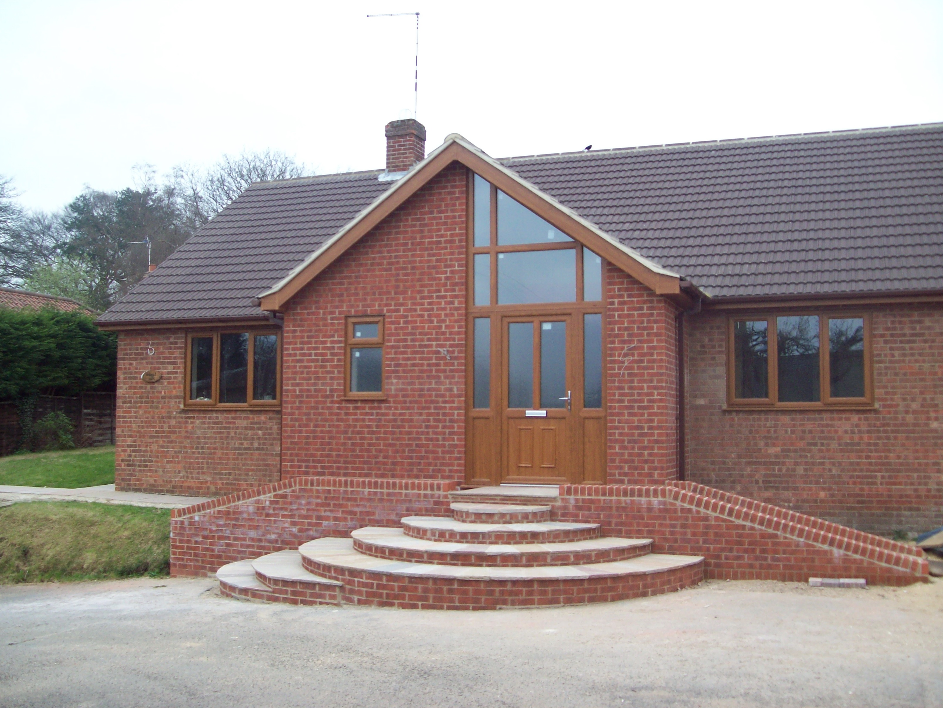 Bungalow front porch designs uk home design ideas for Porch designs for bungalows uk