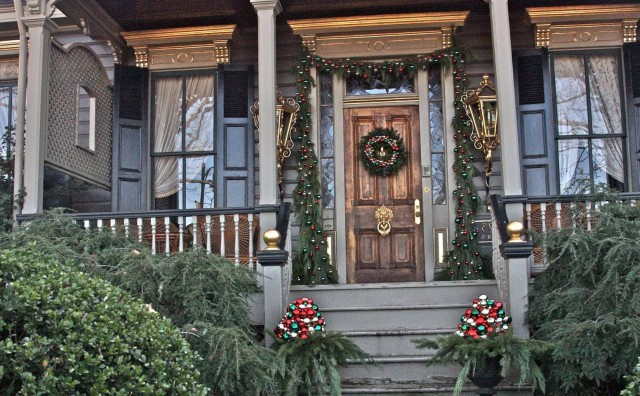Christmas Decorations For Front Porch Ideas