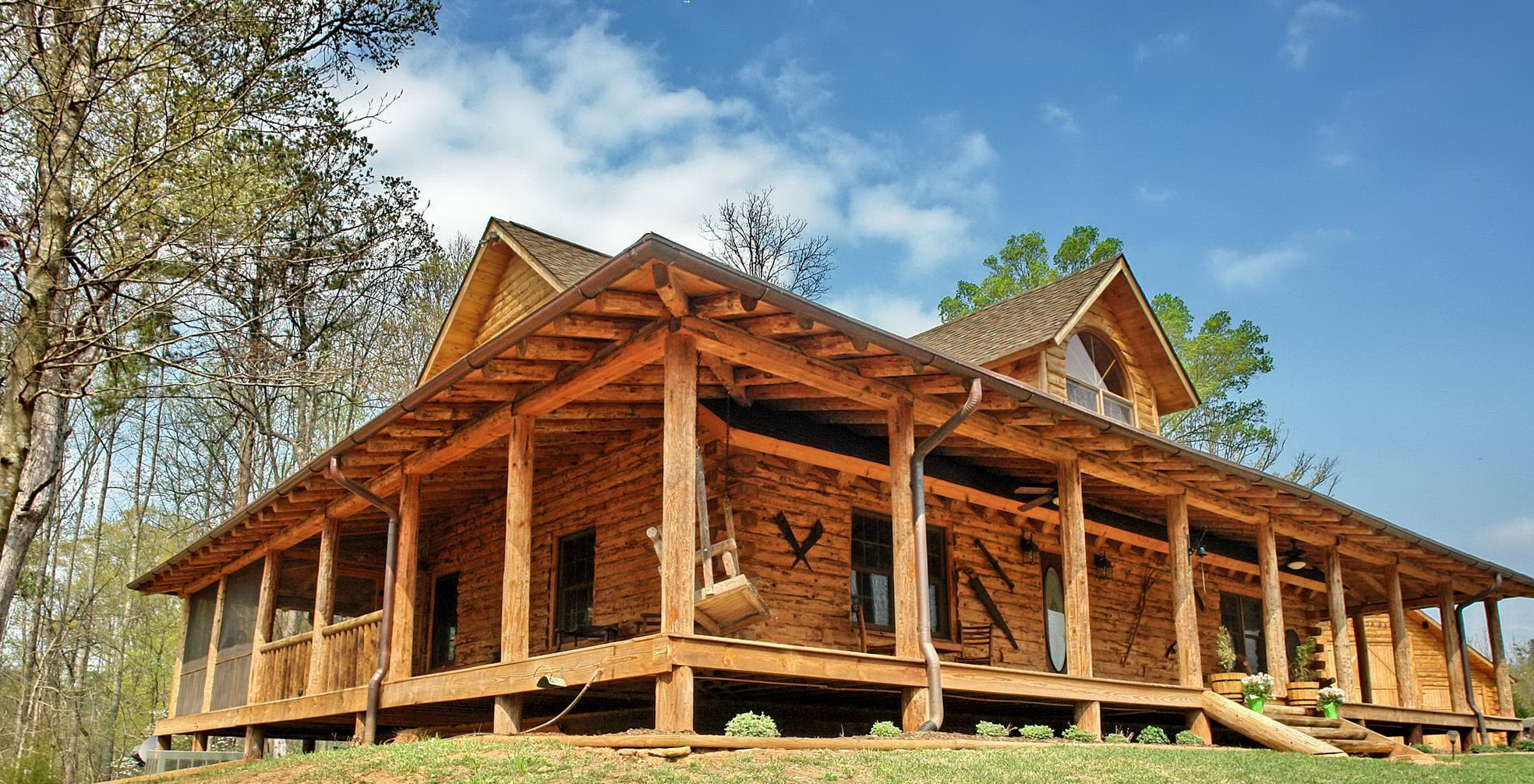 Log Cabin Design Ideas as you move up the walls alternate each successive log so that their smaller tapered ends are not all on one end of the wall once the logs reach waist Log Cabin Floor Plans With Wrap Around Porch
