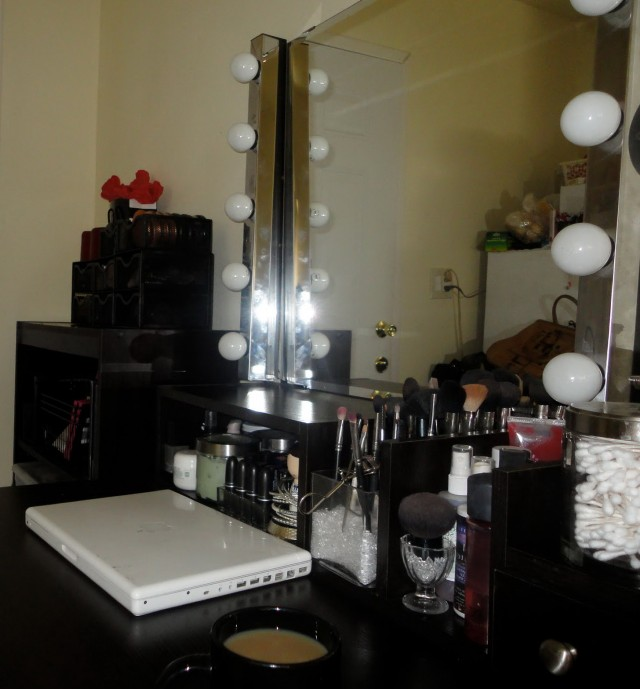 Makeup Vanity Lights Diy