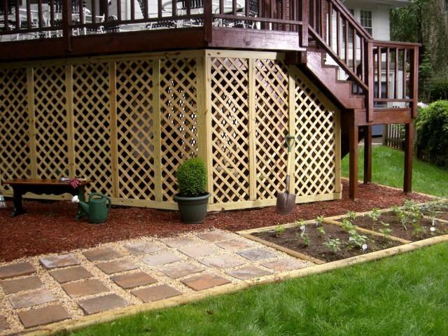 Front porch privacy ideas home design ideas for Lattice ideas