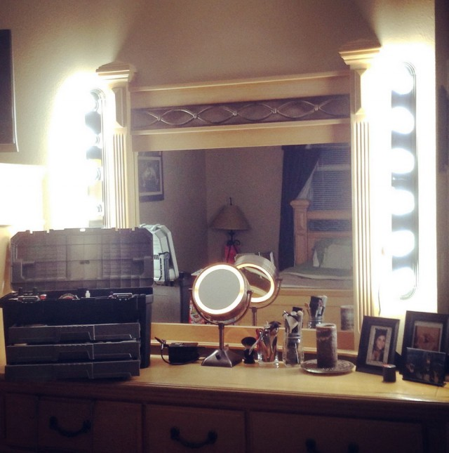 Diy Makeup Vanity Lighting