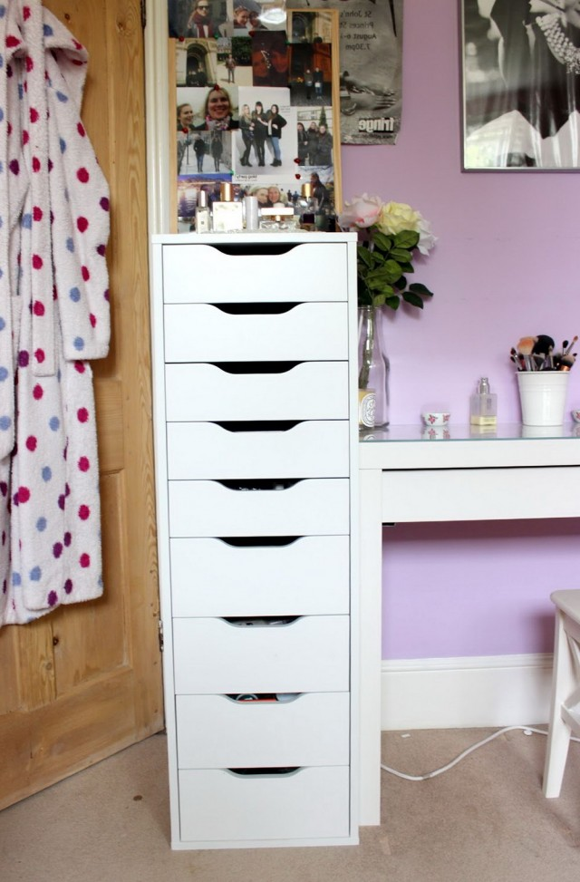 Makeup Vanity With Drawers On Left